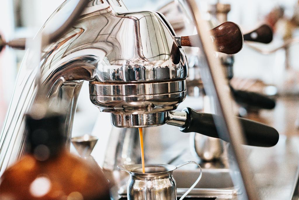 Nahaufnahme der Kaffeemaschine im Coworking Space Q-work in Bonn